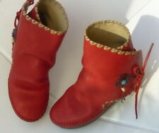 RARE - MOCASSINS INDIENS  cuir rouge,  faits main en France par artisan