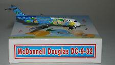 Phoenix PH4CEB010 McDonnell Douglas DC-9-32 Cebu Pacific RP-C1509 in 1:400 scale