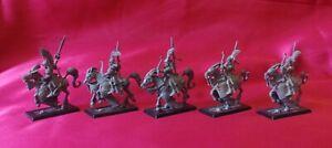 Lot 5 cavaliers Hauts Elfes Warhammer Battle Cavalerie / archers / épéistes