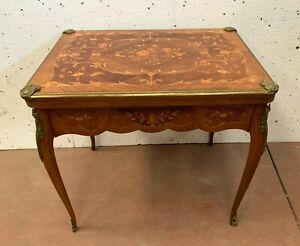 Table a jeux marquetée de style Louis XV XX siècle Console