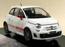 Motormax 1/24 Scale - Fiat Abarth 500 White Red - Diecast model car