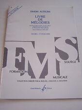 LIVRE DE MELODIES , FORMATION SOLFEGE VOL 1 . CYCLE A . TRES BON ETAT .