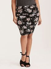Torrid floral print skirt - NWT size 1 (1X, 14/16) black & pink - ruched pencil
