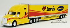 Kenworth T680 Sleeper Cab Love'S Truck Care w/53' Reefer Trailer 1/87 Ho Tns036