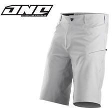 Shorts gris pour cycliste