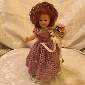 VINTAGE 1930'S  DOLL! OPEN CLOSE EYES CROCHETED DRESS HAT BOUQUET / HEART STAND