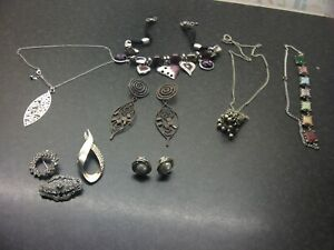 SELECTION OF VINTAGE COSTUME JEWELLERY, 4 Necklaces,3 Brooches, 2 Pairs Earrings