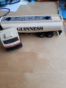 Corgi Major Ford Articulated Truck Lorry Gloster Sato Tanker Guinness No.1169