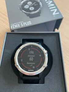 Garmin Fenix 5 Plus 47mm Caja en Acero Inoxifable, Correa Silicona Negra, Reloj