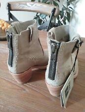FRYE Women's  Leslie Artisan Short Bone Washed Vintage Boot Size 6.5 MSRP$378
