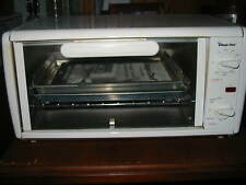 Magic Chef Toaster Oven Broiler Model TB12-2 (670), from 2001