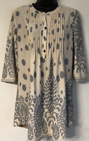 BOUTIQUE Reborn Ivory & Grey Floral Blouse Tunic Top 3/4 Sleeves Sz M