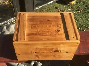 VINTAGE AUGSBURGER WOOD WINE CRATE W/LID AND HANDLE CUTOUTS
