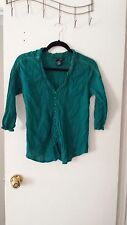 WOMANS 3/4 SLEEVES SZ MEDIUM GREEN FRONT BUTTON TOP
