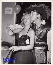 Yvette Vickers busty, Ben Cooper VINTAGE Photo candid
