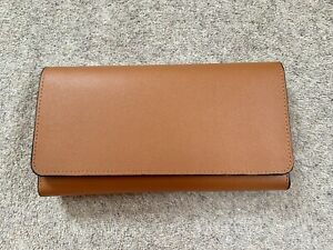 Gorgeous Leather Purse 11 card slots zipped coin section