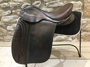 "18"" Ideal Podhajsky Dressage Saddle MW Fit Brown ( Martin Wilkinson Studs)"