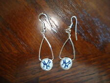 New York Yankees Dangle Earrings MLB NEW!