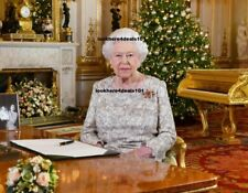 QUEEN ELIZABETH Photo 5x7 Royal London England Great Britain Collectibles