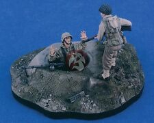 "Verlinden 1/35 ""Game Over"" German Soldier Surrendering to US GI (2 Figures) 2418"