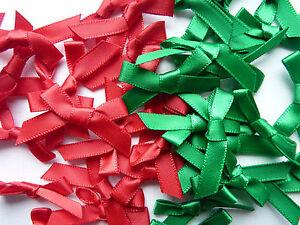 20 x SMALL RED & GREEN CHRISTMAS COLOURS SATIN RIBBON BOWS