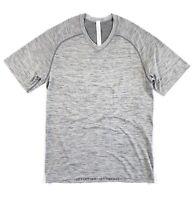 Lululemon V-Neck T Shirt Men's Metal Vent Tech Grey Slate/ White LM3AT8S