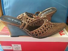 Very pretty bronz To Go ladies shoes size 38