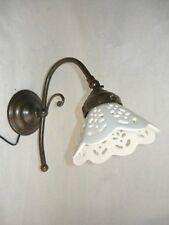 Appliques Lampada da parete in ottone con ceramica traforata bianca