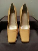 COACH Malorie Tan Beige Leather Shoes Pumps Slip-on Square Toe/Heel Italy 7.5 B