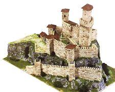 AEDES 1015.Maqueta de construcción ladrillo de Castillo Rocca Guaita.San Marino