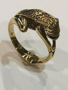Size M Brass Frog Ring