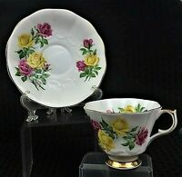 VINTAGE COLLECTIBLE QUEEN ANNE BONE CHINA FLORAL TEACUP & SAUCER MADE IN ENGLAND