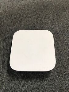 Apple AirPort Express 2 Port - AirPlay 2 Wireless Router A1392