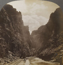 Keystone Stereoview of a Train in The Royal Gorge, Colorado 1913 # 8002 Exc-NM