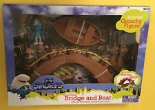 Grouchy Smurfs Bridge Boat Village set JAKKS NEW In Box! action figure 4+ Movie