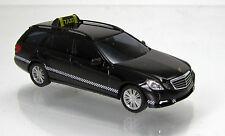 Busch 44260 Mercedes Benz E Klasse T Modell W212 TAXI schwarz Scale 1 87 NEU OVP