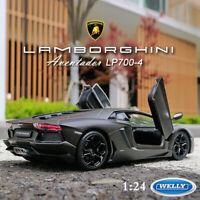 WELLY Lamborghini Aventador LP700-4 Super Sports Car in 1:24 Scale Matte Black