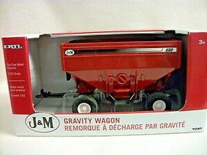 ERTL J & M Gravity Wagon - 1:32