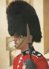 Military Postcard - Guardsman at The Tower of London   RR8963