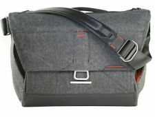 Peak Design Everyday Messenger Bag 15 in Charcoal