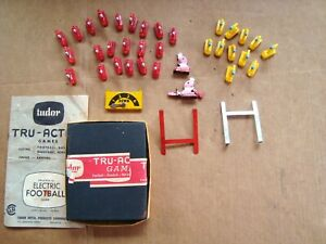 1961 tudor  Tru action ELECTRIC FOOTBALL Game parts lot Players & Misc. pieces