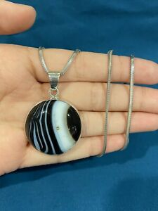 """925 Sterling Silver Ladies Mens Black & White Stone Pendant & Chain Necklace 16"""""""
