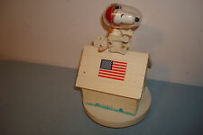 VTG Peanuts Snoopy Astronaut on Dog Fly Me To The Moon Schmid Bross Music Box 69