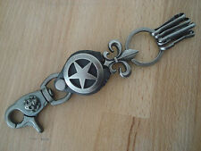 Porte cle biker porte clef motard Etoile et fleur de Lys  cuir metal