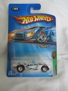 Hot Wheels 2005 Treasure T-Hunt 3/12 1958 Corvette Mint In Card