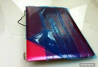 Sony Vaio VPCYB3V1E Ersatzteil: X25821601 Back Cover, Abdeckung mit Webcam, Pink