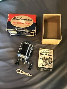 1946 Shakespeare Model FE Level Wind Reel w/Original Box, Manual, Wrench.