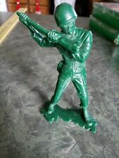 RARE VINTAGE MARX COMPANY US ARMY SOLDIER IN STAND UP BATTLE STANCE EXCELLENT CO