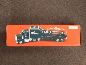 2001 Wawa Collectible 1:32 Scale Diecast Car Hauler Truck
