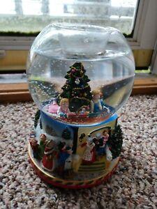PARTYLITE SNOW GLOBE SNOWDOME MUSIC BOX OH CHRISTMAS TREE
